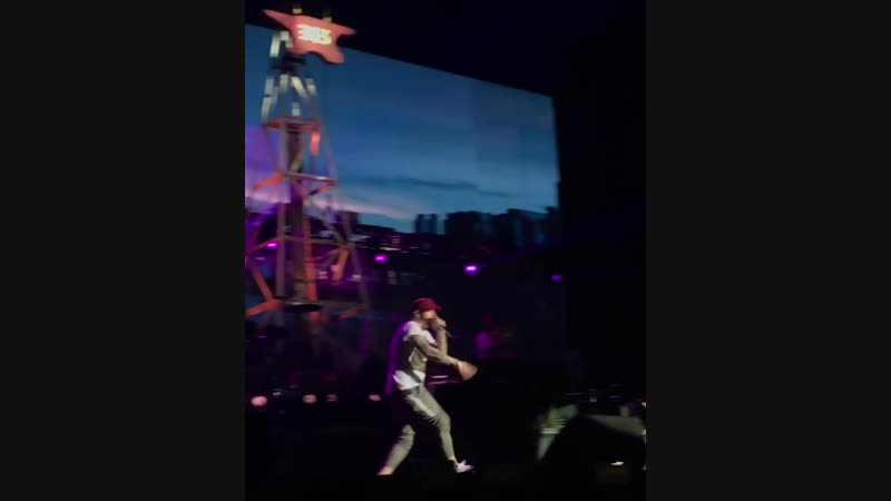 Eminem - Till I Collapse (Revival Tour Milan, Italia)