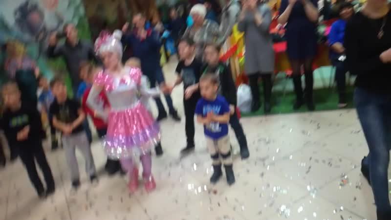Танцевальный баттл smiley_okt