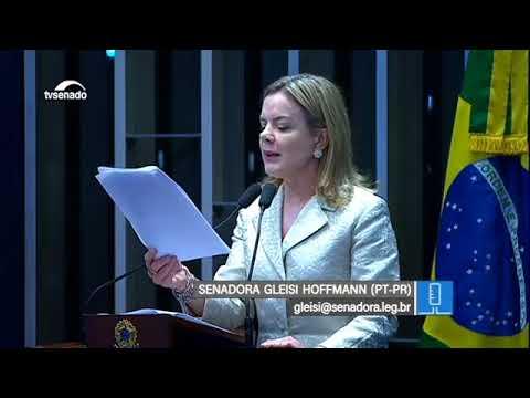 Gleisi Hoffmann registra visita de assessor do Papa Francisco a Lula