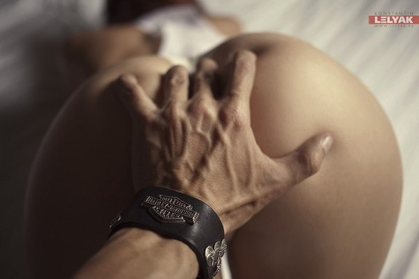 Lesbian sex using dildos