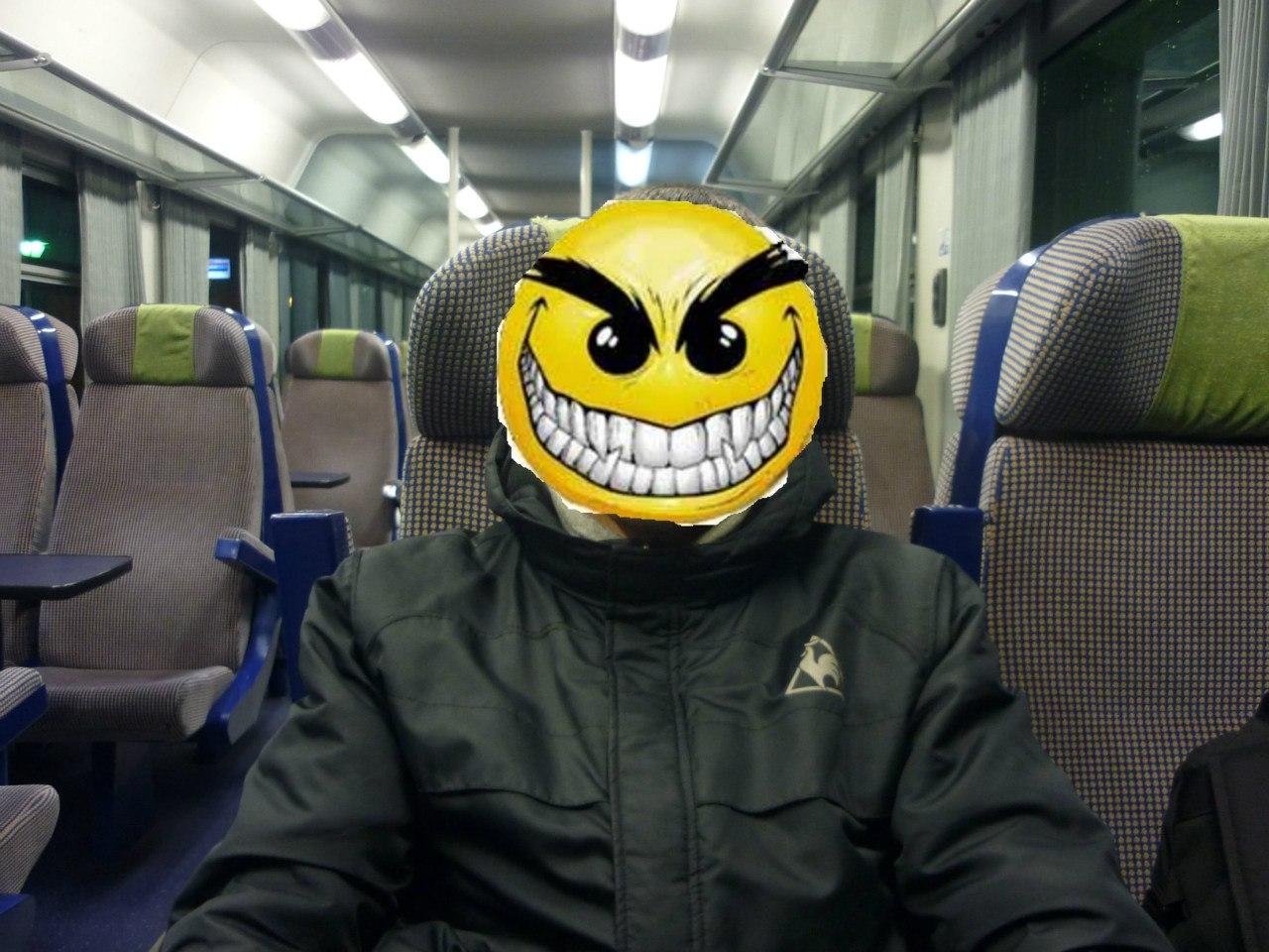 Спалил в поезде 24 фотография