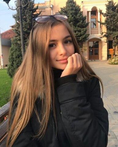 Iuliana Beregoi - Page 5 Eah3jbhhBUM