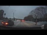 Момент ДТП с пешеходом на ул. Менделеева (17.11.2017)
