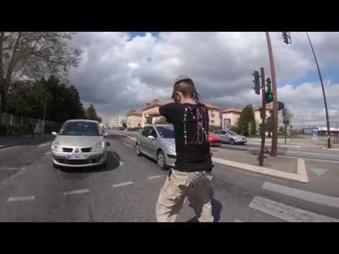 Traffic light jugglingBow Show2Gibet NadjaMoonTek poi