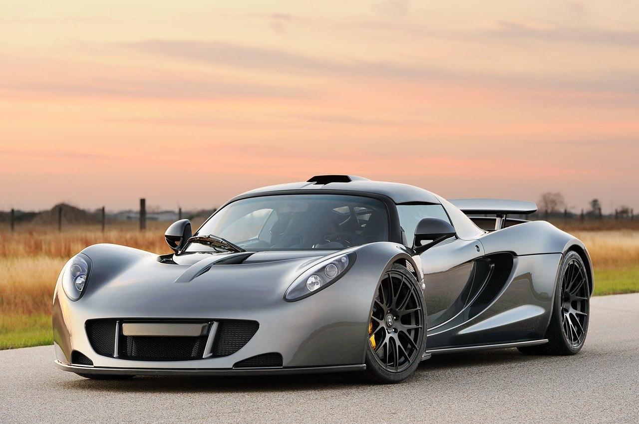 Сравнение Bugatti Veyron Super Sport и Hennessey Venom GT (1200 hp)
