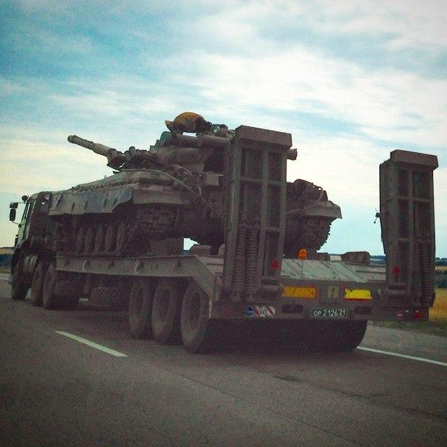 Военная техника на улицах Ростова