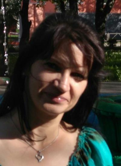 Илона Ахмадиева