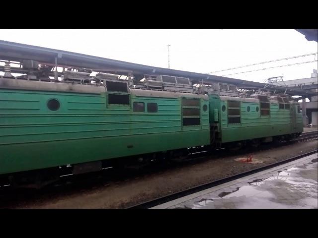 Прибытие ВЛ82м-046 с поездом Полтава Днепропетровск на станцию Днепропетровск пассажирский