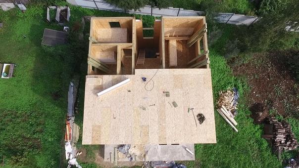 Начат монтаж межэтажного перекрытия дома #ультрасип_сосново4 👍👌