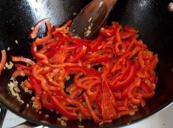 Вкуснятина: курица стир-фрай с кисло-сладком соусе Ингредиенты на