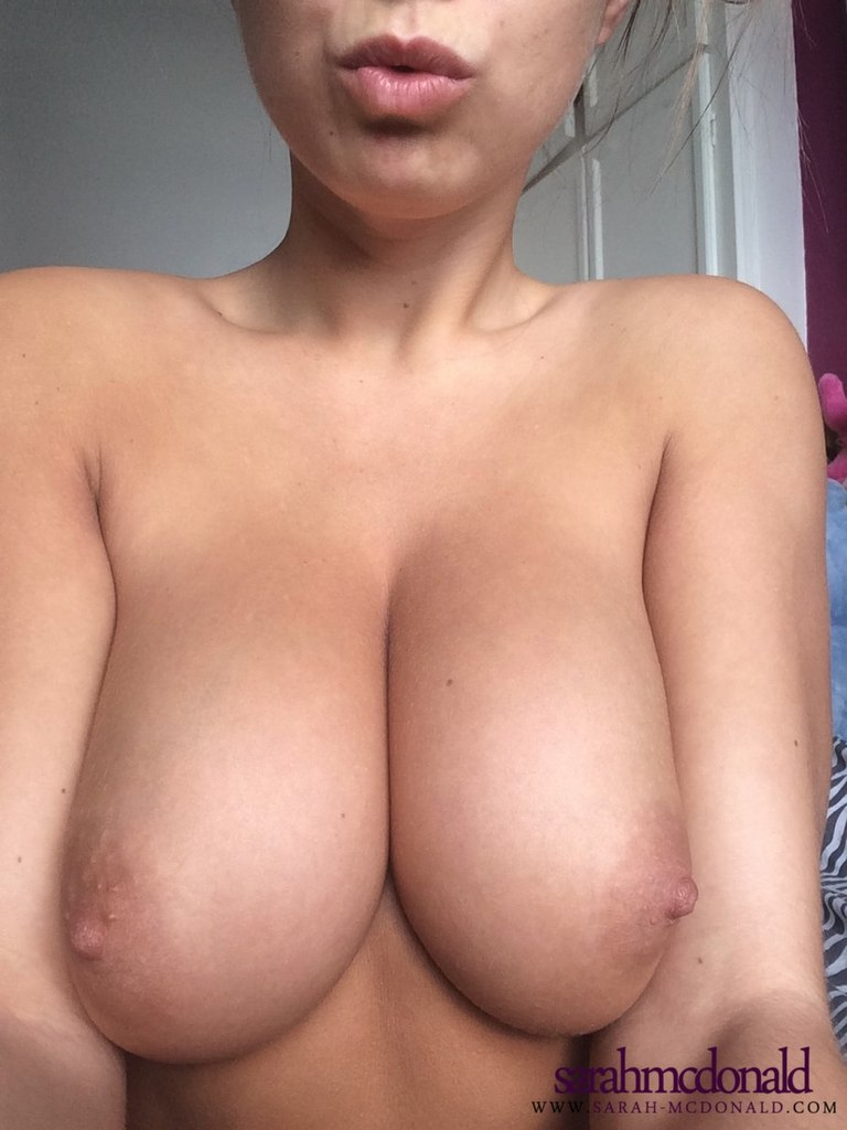 Nude pictures of hanah montana