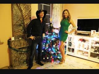 шоу Nekrasov TV. #Праздниккнамприходит. Наряжаем елку. #Скороновыйгод #happynewyear (новогоднее видео)