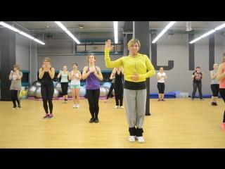 Aleksandra Gulevich - Bailando Por Ahí (ver ACTIVE)