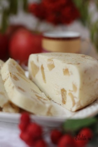 Запеканка творожная с яблоками в пароварке
