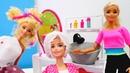 Barbie e Evi vão ao salão de beleza. Vídeos de brinquedos.