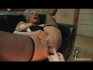Sep 15, 2009 - kylie ireland and debi diamond