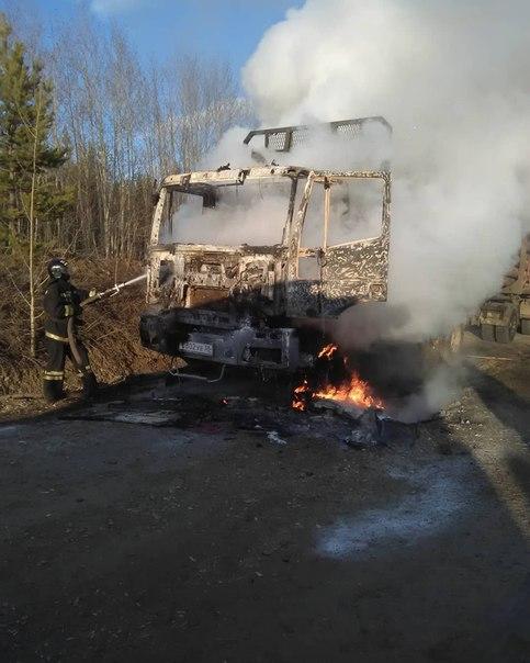 Большегруз «Ивеко» сгорел в поселке Железнодорожный