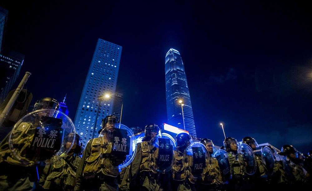В Гонконге возводят баррикады