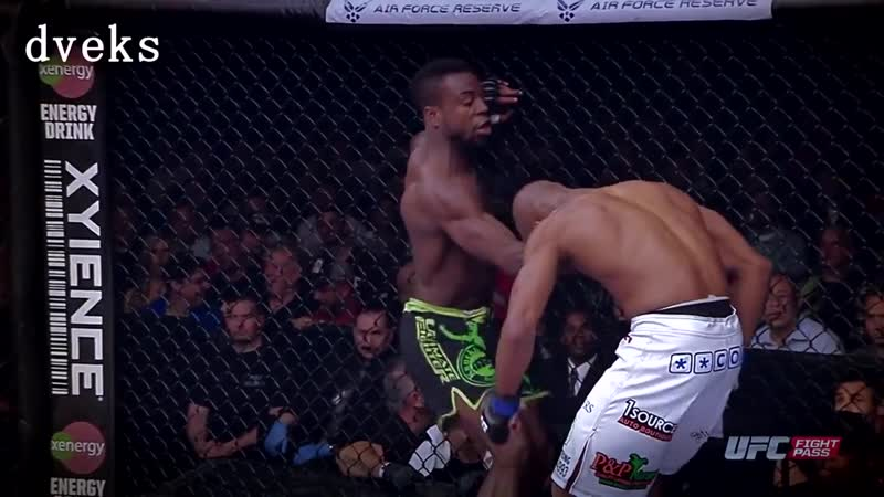 Flying knee from Chris Beal by dveks.