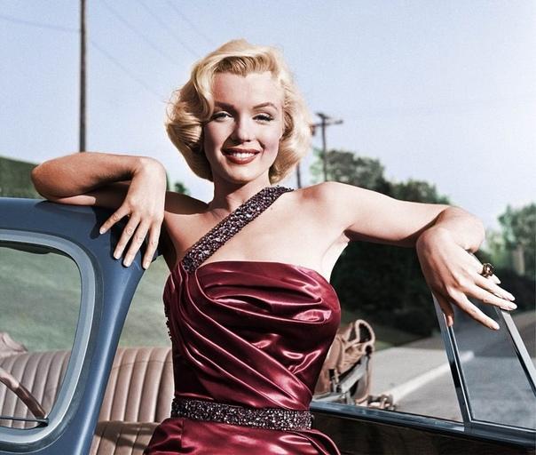 Прекрасная Мэрилин Монро Фотосессия с названием Как пожениться. 1953г.