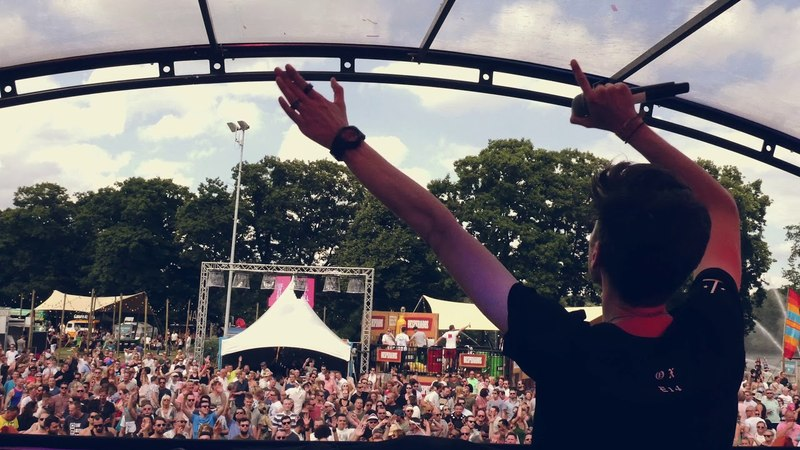 Discover David Gravell Episode 14: Playing on the Mainstage at Electronic Family!
