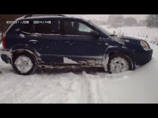 Hyundai tucson, туссан зимой по сугробам.
