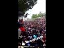 Человек падает в толпу но его никто не ловит Празднование ЧМ2018