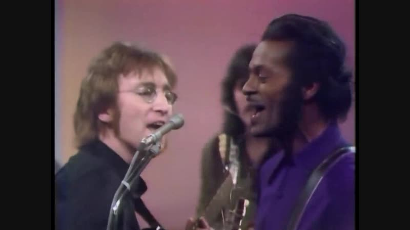 CHUCK BERRY and JOHN LENNON - Memphis, Tennessee and Johnny B. Goode (1972)
