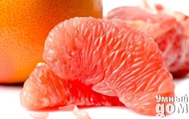 ТОП-4 способа укрепить иммунитет. 1. Грейпфрут. Всего один плод обеспечивает организм суточной дозой витамина С. При ослаблении иммунитета очень полезны грейпфрутовые ароматические ванны. Мякоть одного фрукта мелко нарезать и залить 0,5 литрами кипятка. Настоять в течение часа, процедить. Добавлять этот настой в воду, принимая ванну. Можно заменить свежую мякоть 4-6 каплями аптечного эфирного масла. 2. Шиповник. Шиповник эффективно препятствует развитию воспалительных процессов и способствует…
