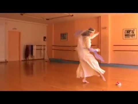 Sandra Voulgari dancing saltarello (medieval dance), performance