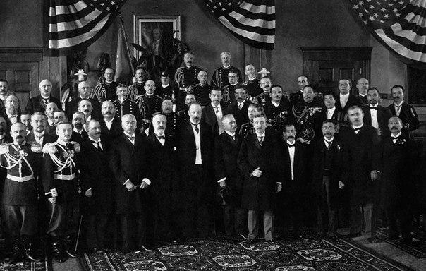 Русско-японская война. Участники переговоров после подписания мирного