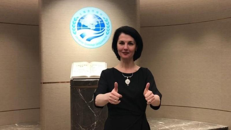 Ольга Мельникова, руководитель Российского культурного центра в Пекине, поддерживает ШОС