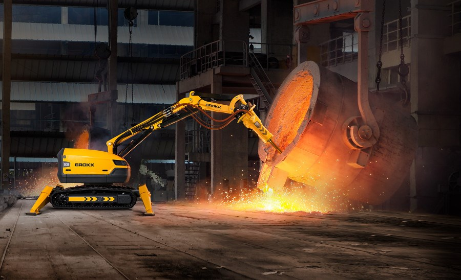 Роботы Brokk используются в металлургии для удаления футеровки и шлака