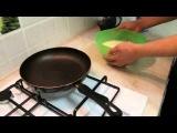 Холостяк на кухне: Как самому приготовить блины на масленицу? (Видео рецепт блинов)