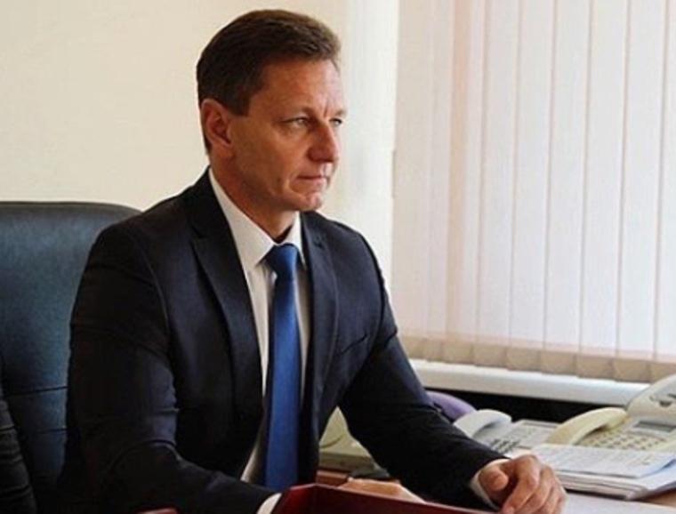 Владимирского губернатора заподозрили в получении фальшивого диплома. После скандала с «золотой судьей» Хахалевой
