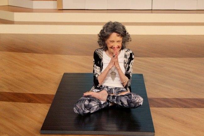 старейший в мире инструктор по йоге