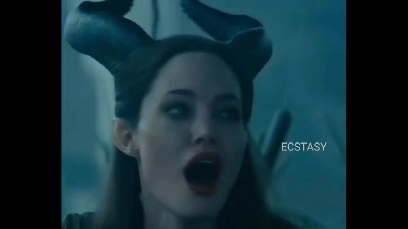 —Фильм Малефисента подтвердил, что ведьмой женщина становится, если мужчина обломает её крылья.
