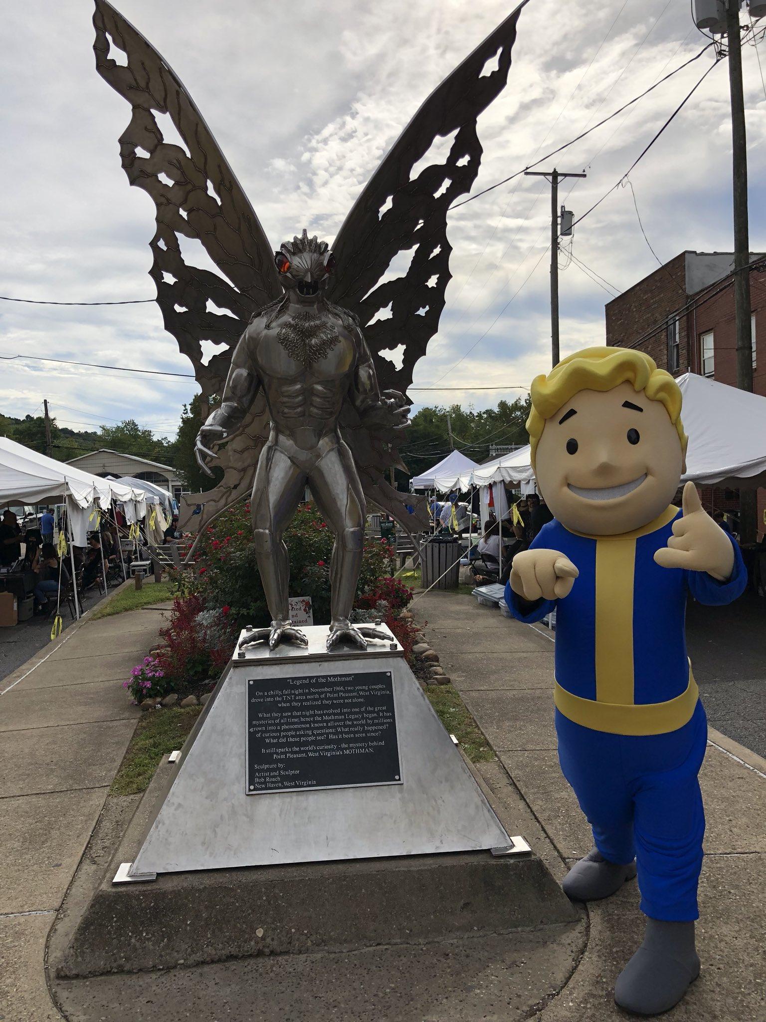 Фотографии с мероприятии mothman festival 2018