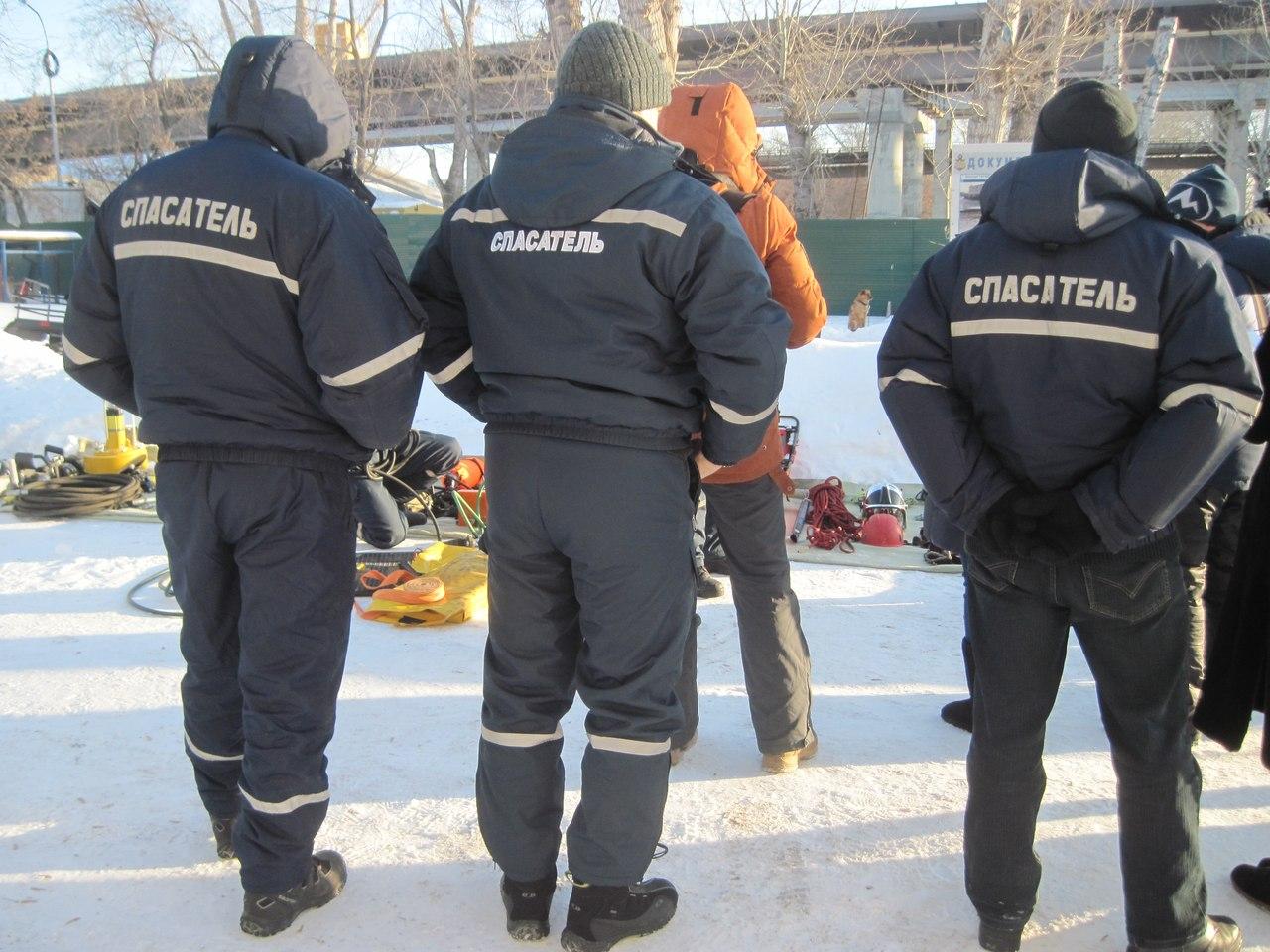 Спасатели отметили 15-летие ТОСЭР катанием на снегоходах с журналистами  3