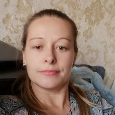 Оленька Захарова