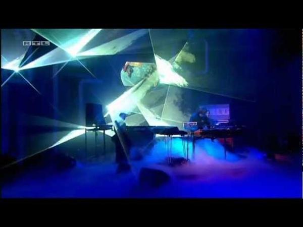 Jean Michel Jarre Oxygene IV with Lasershow in RTL TV Studio Fantastic