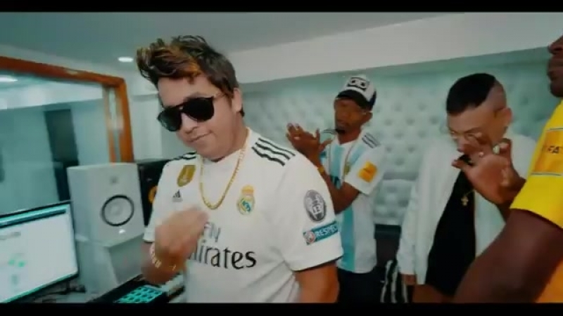 DENVER EL CHULO MATAME A BESOS OFFICIAL VIDEO REGGAETON 2018 CUBATON 20
