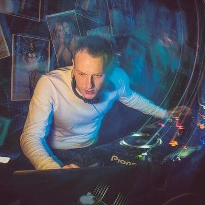 Александр Пелёвин