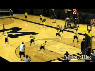 Michigan basketball practice after media day