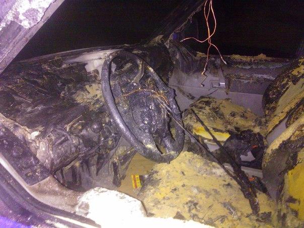 В Новой Водолаге Харьковской области полностью сожгли микроавтобус «Фольскваген