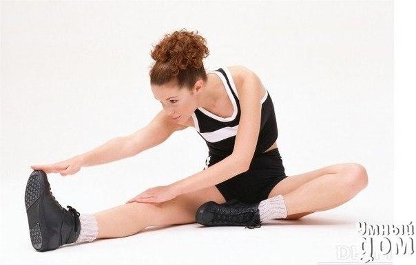☝💪 Здоровый позвоночник и суставы. Суставная гимнастика 💪☝ Закостенелый неподвижный позвоночник - это явление вашего образа жизни. Это признак лени! Делая суставную гимнастику вы не только сделаете подвизным позвоночник и все суставы, но и оздоровите весь организм. СУСТАВЫ РУК И НОГ Кисти. Каждое упражнение повторяем 8-10 раз. Упражнение 1. Сжиманм разжимаем кулаки, ритмично, как можно быстрее. Упражнение выполняется в двух вариантах сначала акцент делаем на сжимание пальцев в кулак…