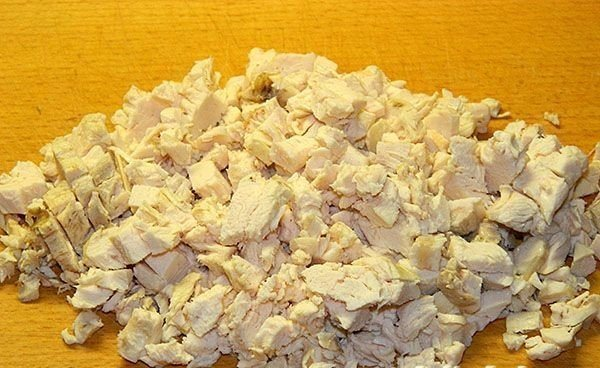 Легкая запеканка из куриной грудки Ингредиенты: - 300 гр
