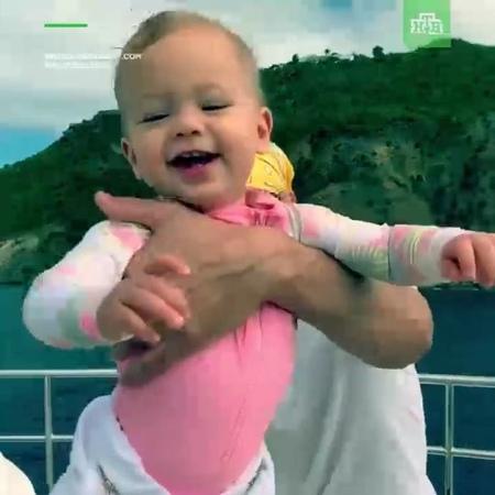 """НТВ on Instagram: """"Энрике Иглесиас показал ребенка от Анны Курниковой. НТВ дети Иглесиас Курникова певец теннис"""""""