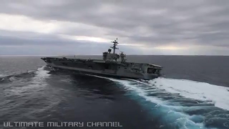 HIGH SPEED MANEUVERS! US Nimitz-class SUPERCARRIER in a series of EXTREME RUDDER