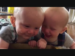 The_FUNNIEST_and_CUTEST_video_youll_see_today__-_TWIN_BABIES_Adorable_Moments_(MosCatalogue.net)